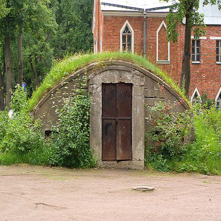 underground bomb shelter 2 Underground Bomb Shelter